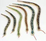 Gliederschlange aus Holz per Stück  Jongliertuch / Chiffontuch gelb Wasserspritzer Ente per Stück Klopfspecht a...