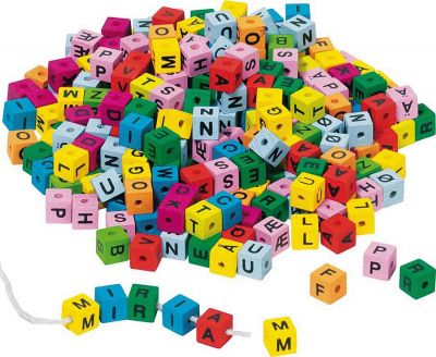 Buchstaben-Würfel / Fädelwürfel - Sortiment bunt ca. 325 Stück per Beutel Buchstaben-Würfel / Fädelwürfel - Sortiment bunt ca. 325 Stück per Beute...