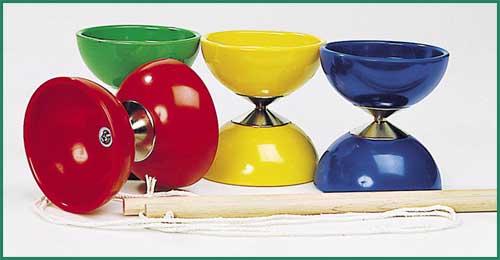 Diabolo farblich sortiert, per Stück Diabolo farblich sortiert, per Stück Kinderbesen mit Naturborsten Springsei...